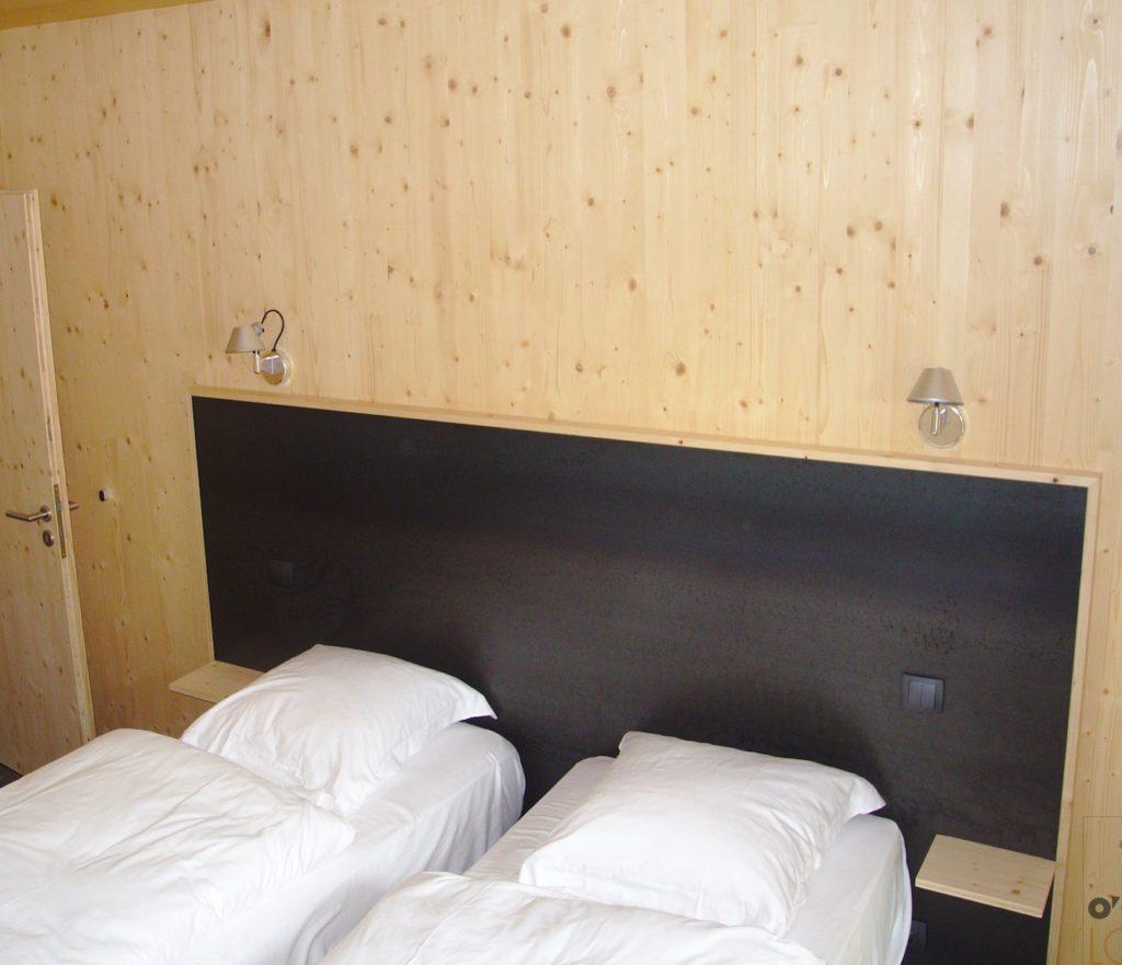 BETTINGER Métallerie Ingersheim à O'Connel Lodge - tête de lit métal acier